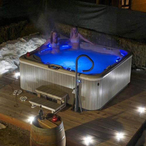 Vasca idromassaggio esterna Hotel Tirol